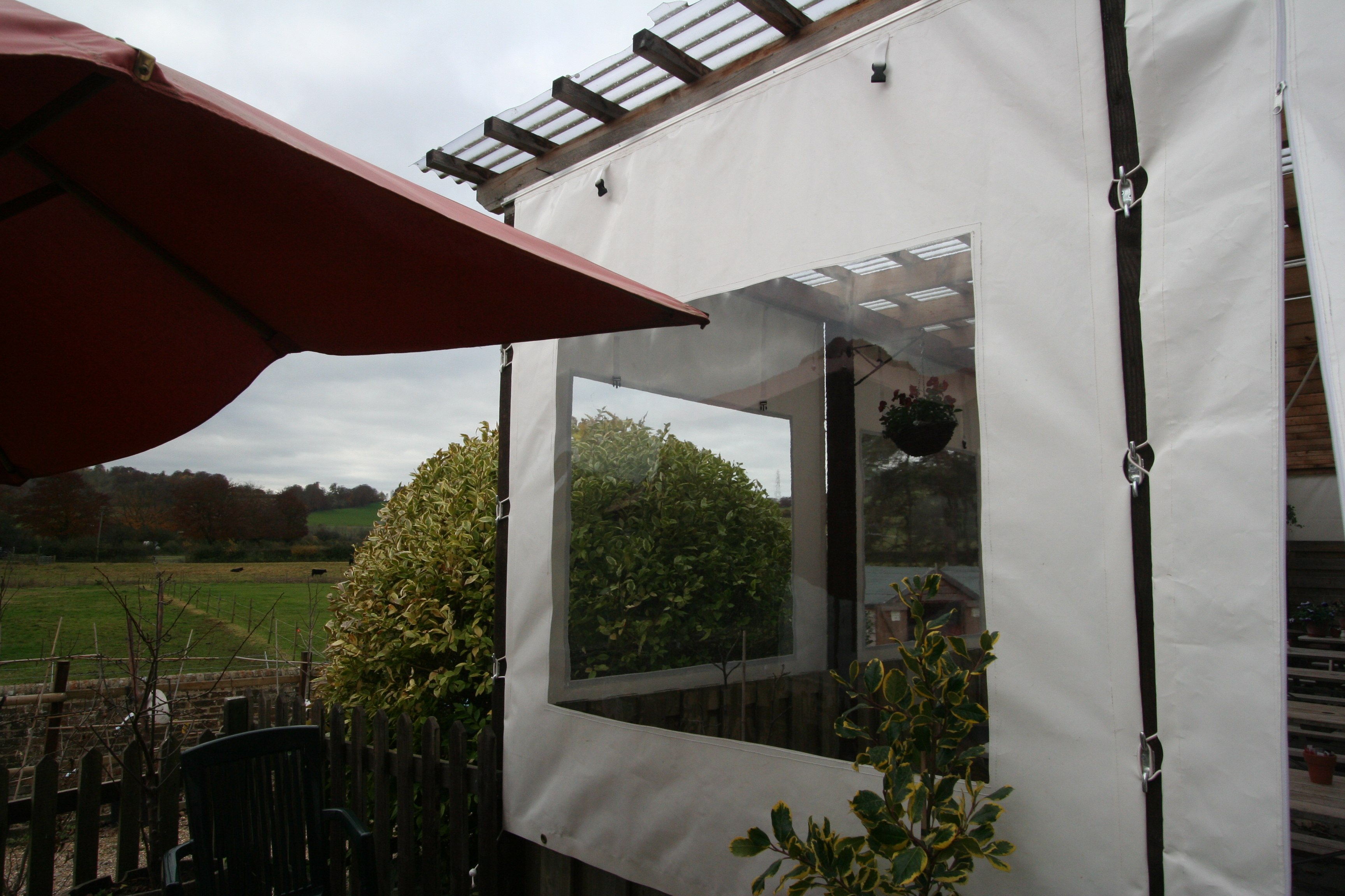 Perfect Side Curtain With Window