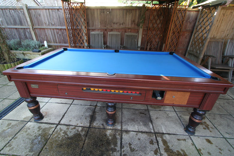 Outdoor-Pool-Table ...